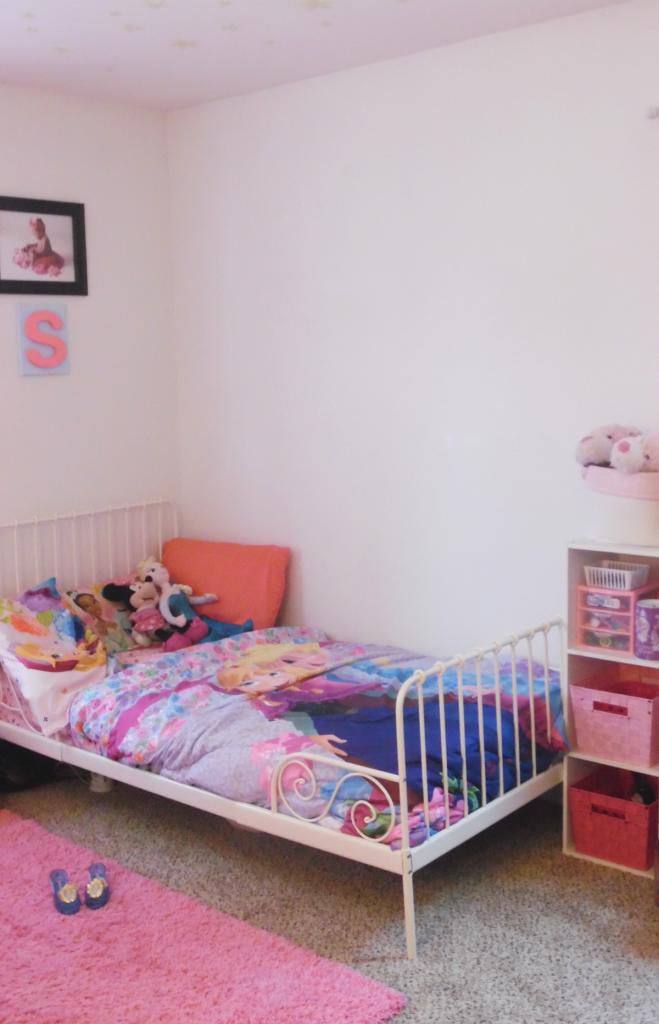 girls room S corner 2