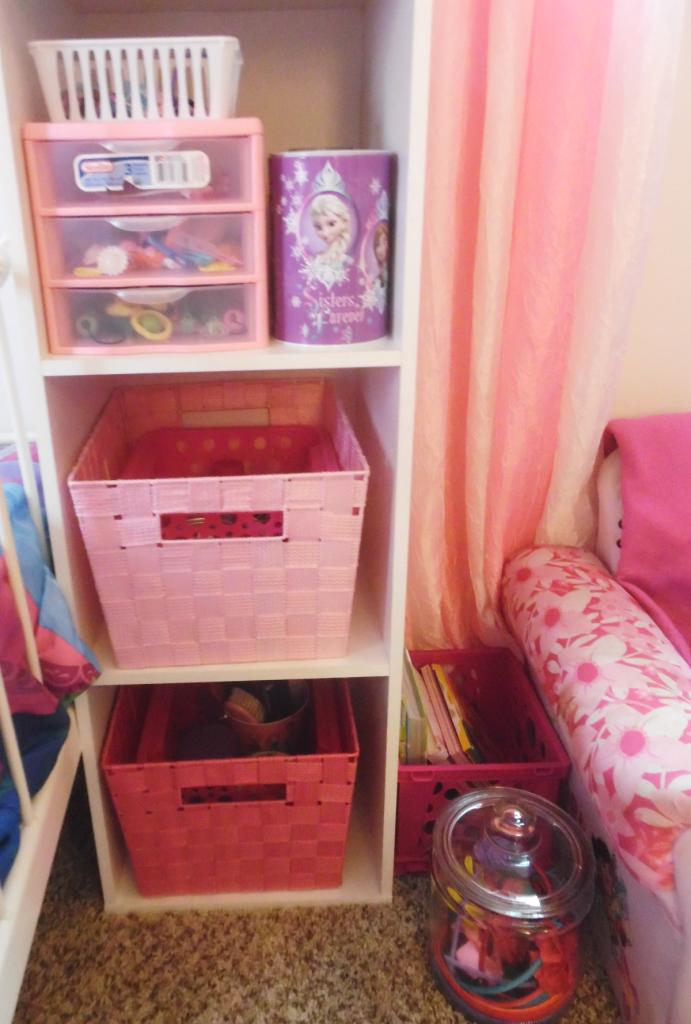 girls room storage org