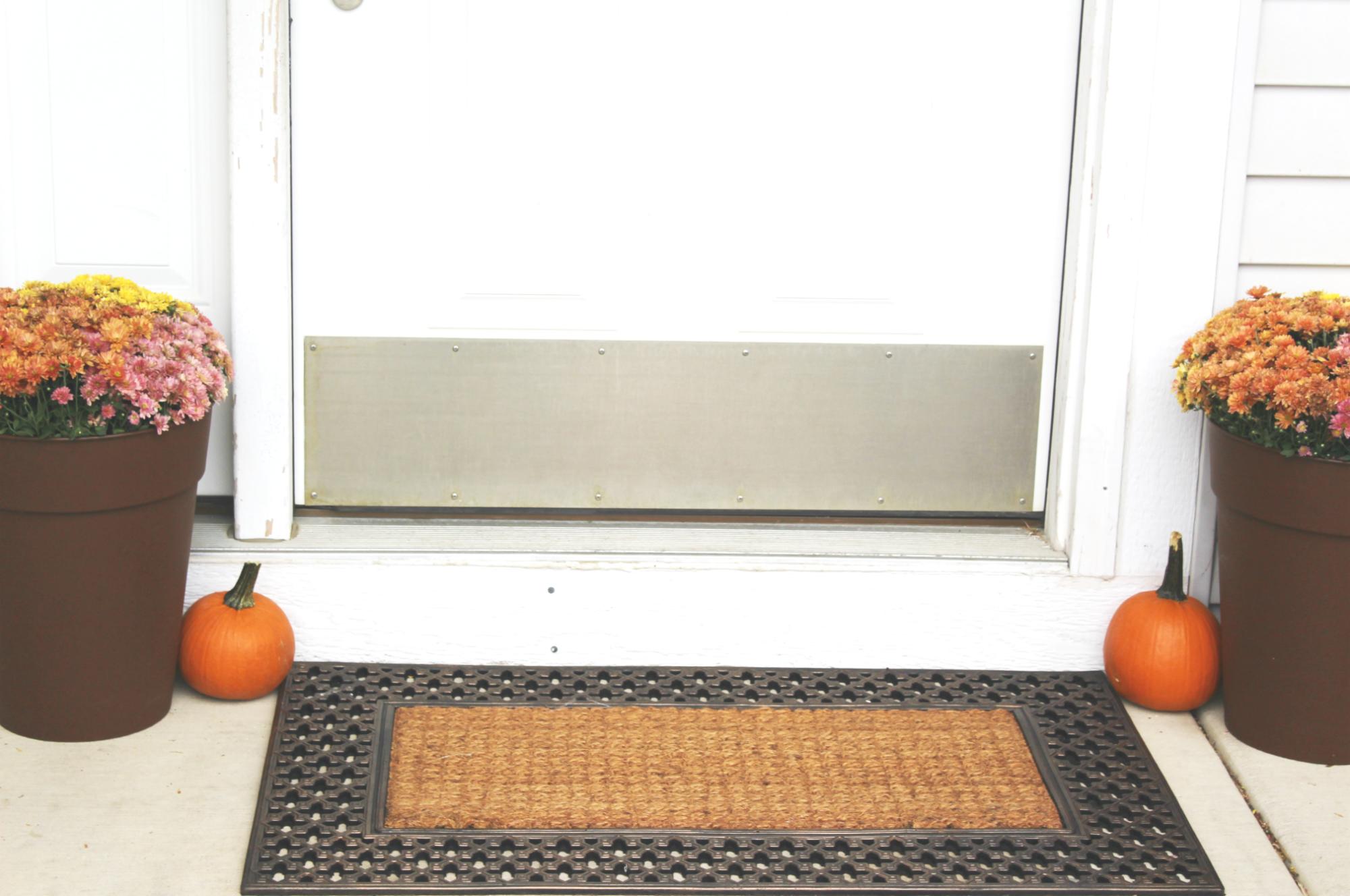 fall-decor-porch
