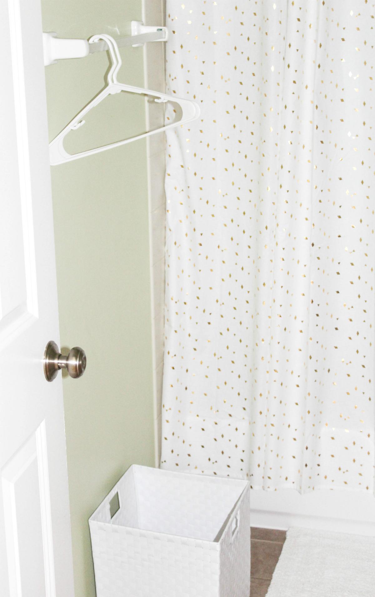 guest-bathroom-laundry-essentials