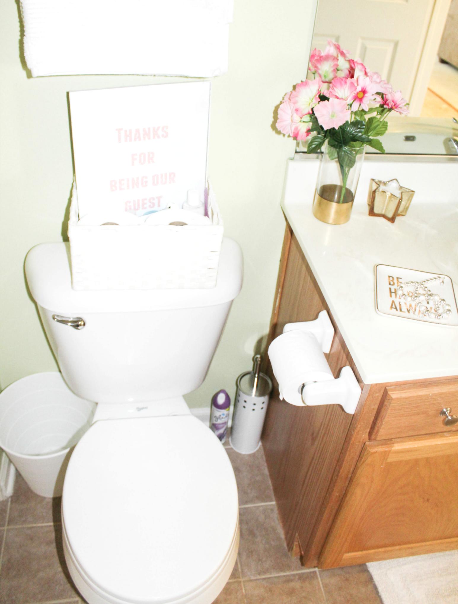 guest-bath-trash-can