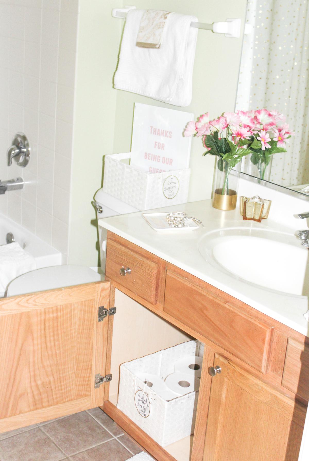guest-bathroom-storage