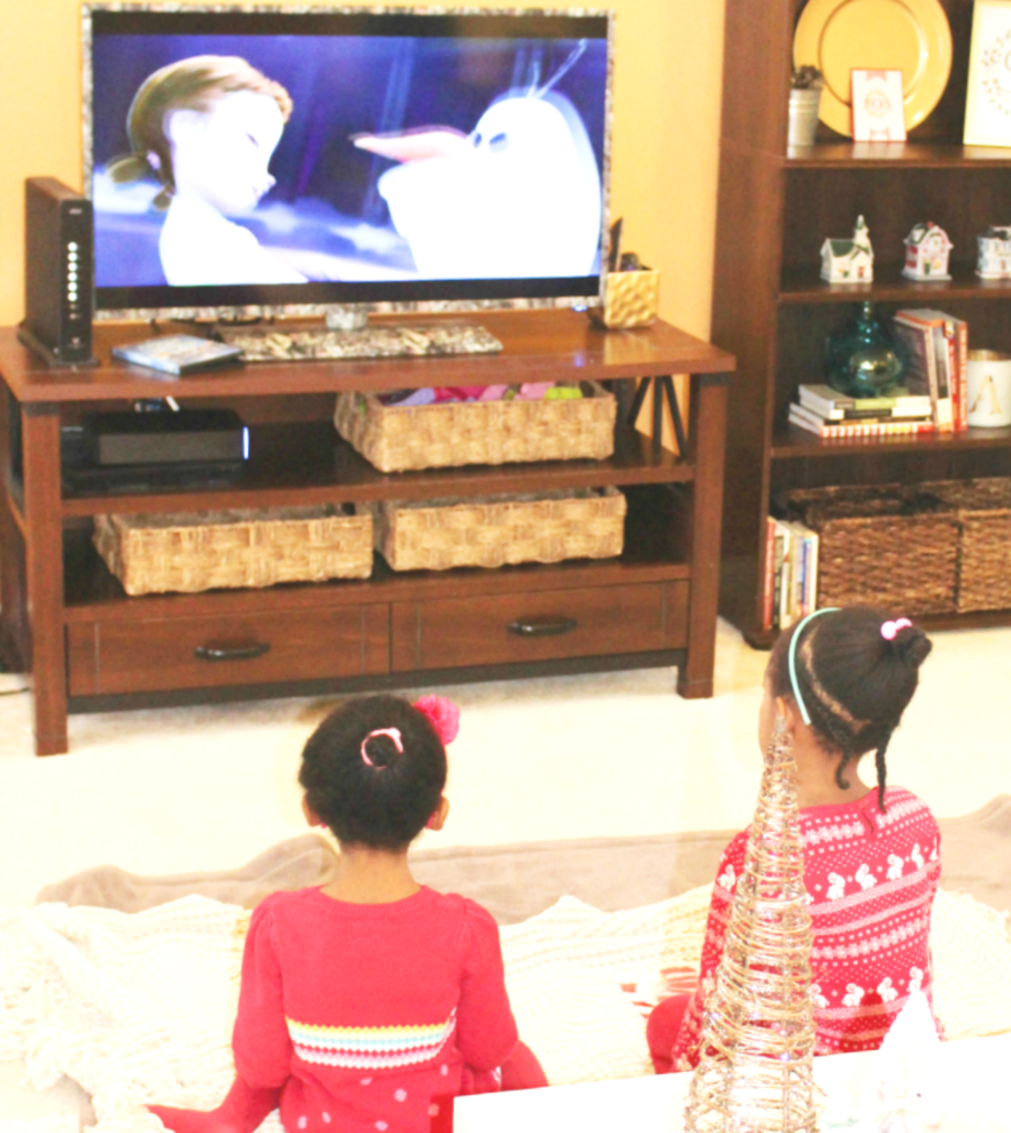 christmas-traditions-kids-watching-frozen