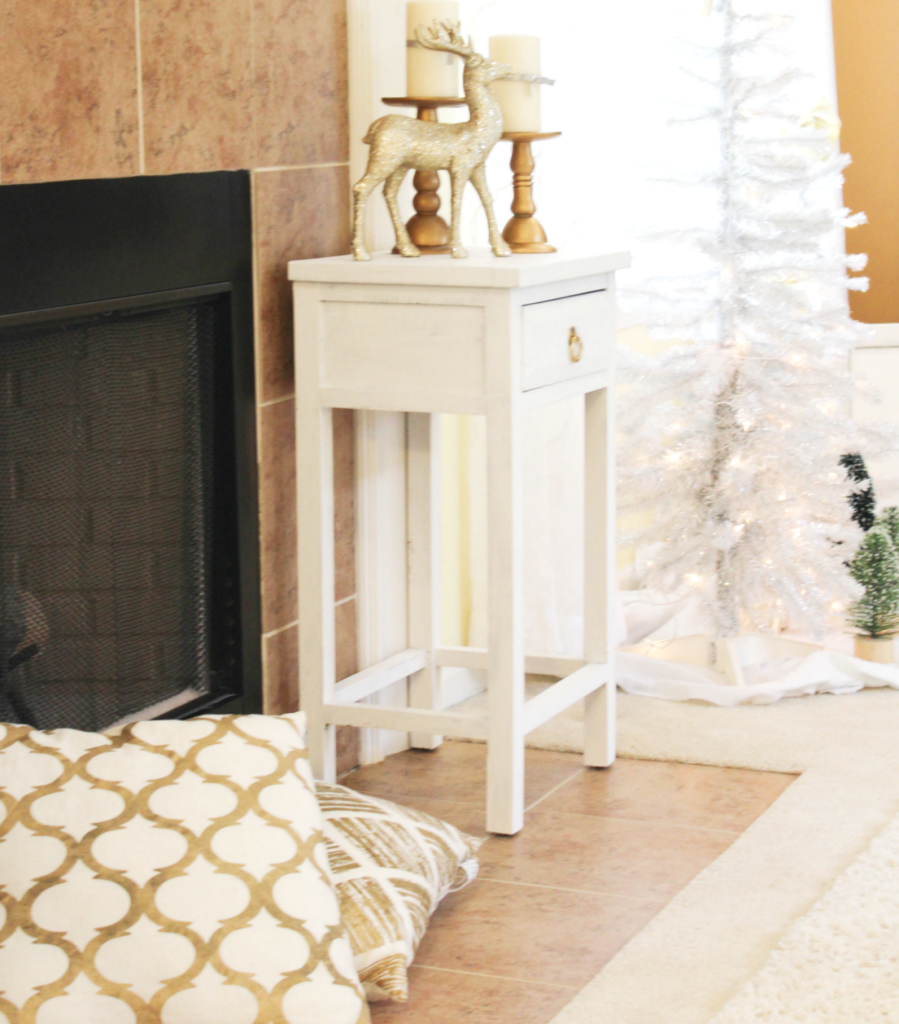 holiday-home-tour-family-room-fireplace