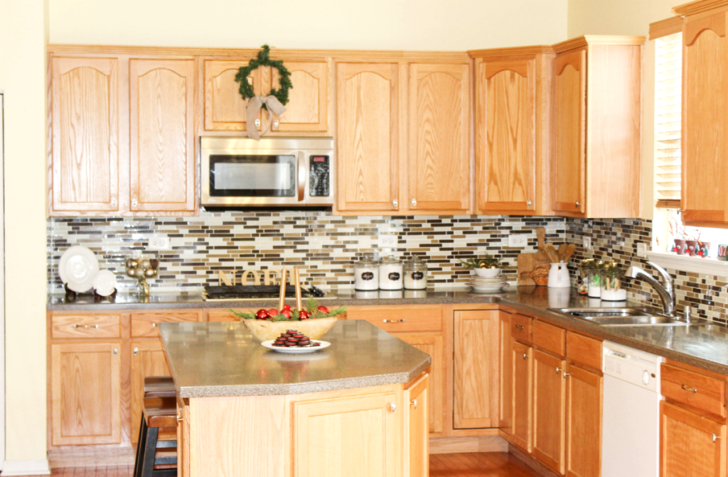 holiday-home-tour-kitchen