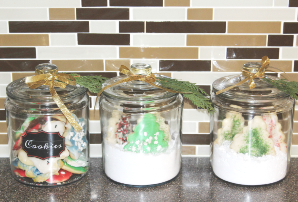holiday-home-tour-kitchen-cookie-globes