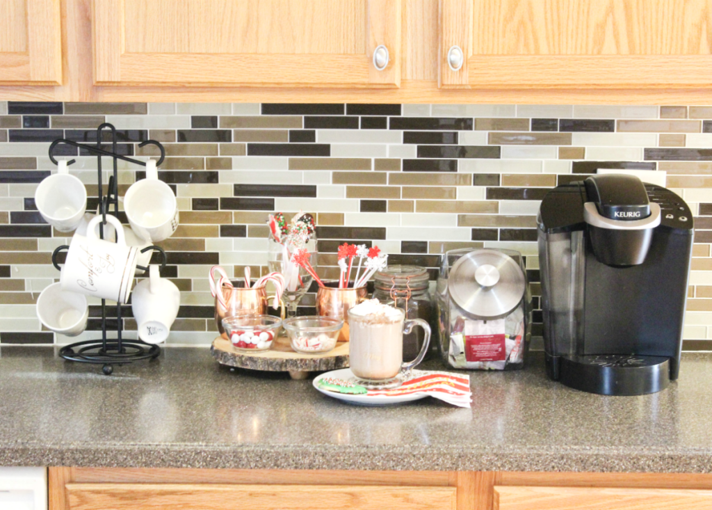 holiday-home-tour-kitchen-hot-cocoa-bar