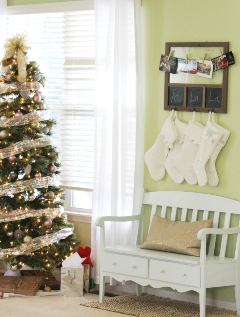 holiday-home-tour-sitting-room-bench
