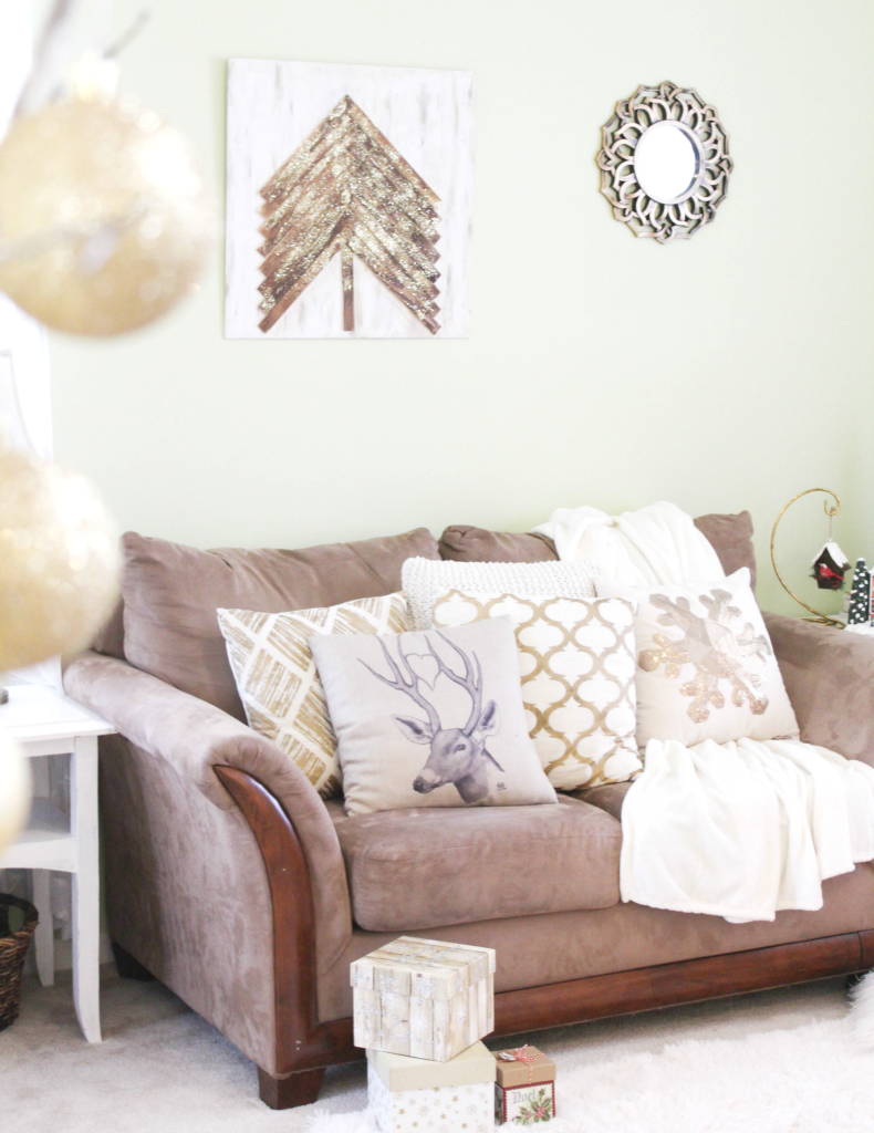 holiday-home-tour-the-couch