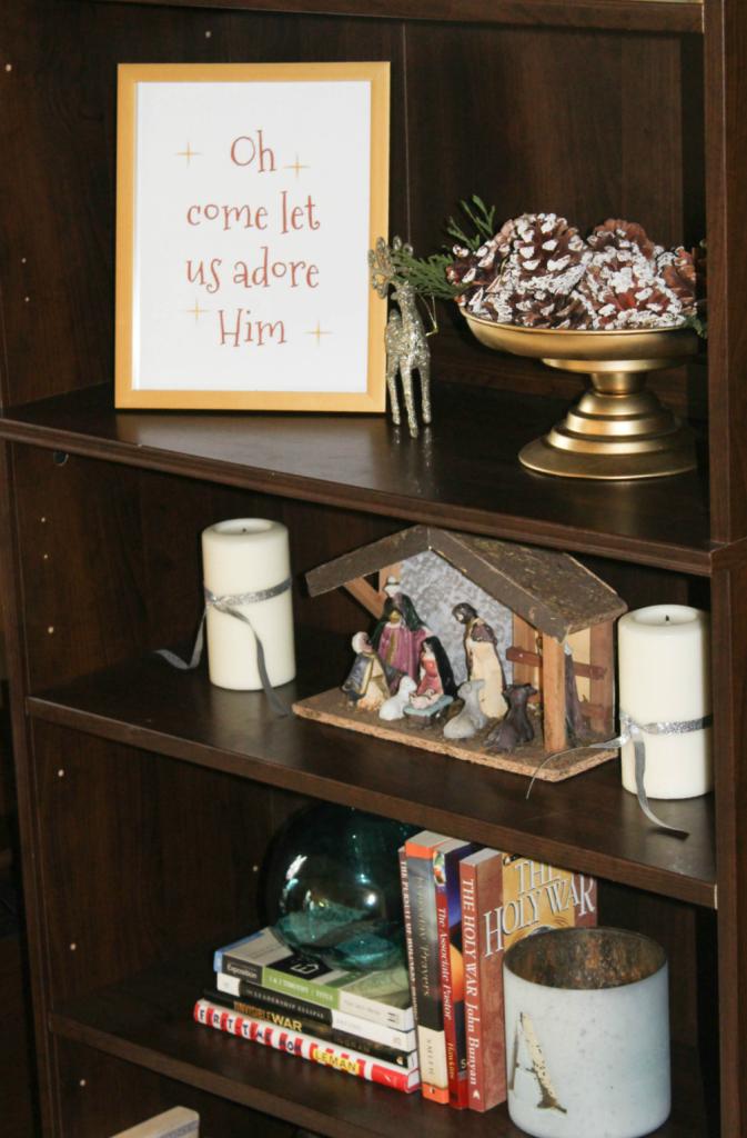 simply-seasonal-bookshelf
