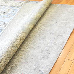 Rug pad feature