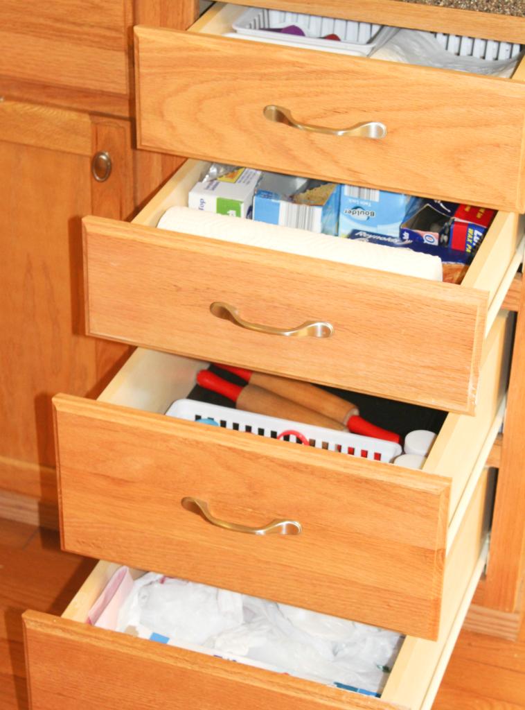 kitchen drawer organization - storage bags