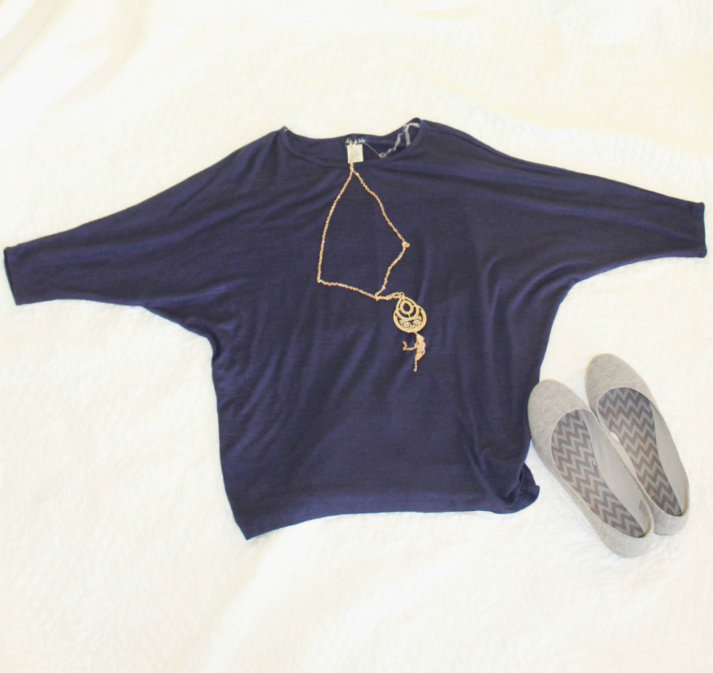 Fashion Finds - Blue Top - Casual looks for Spring -