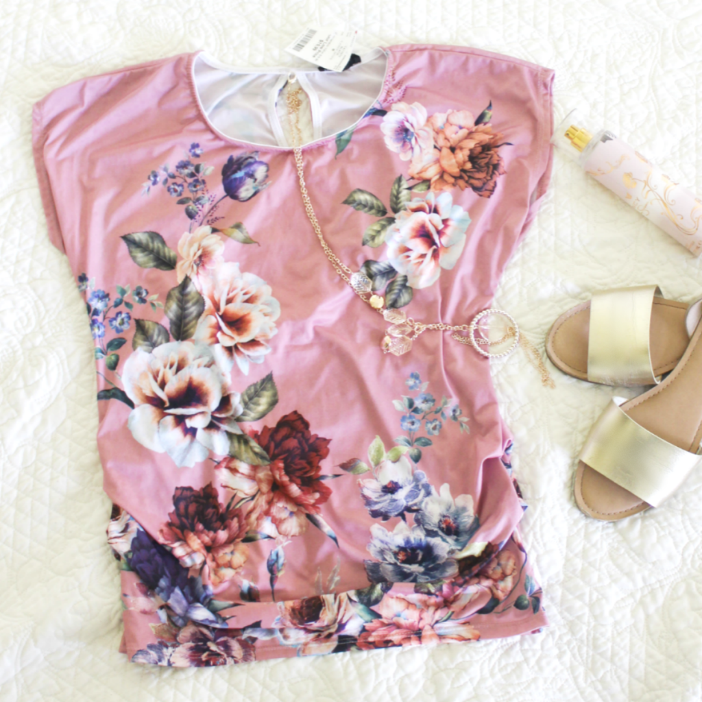 Fashion Finds - Floral top - And Casual Looks for Spring