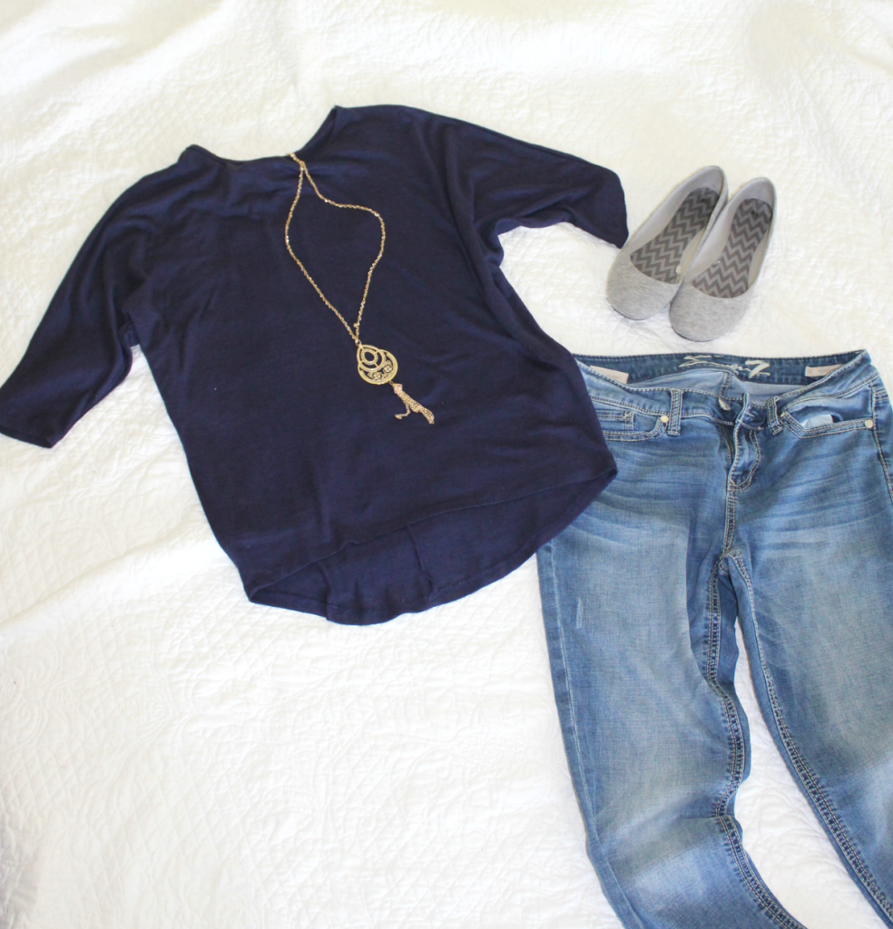 Fashion Finds - Navy top & denim - Casual looks for Spring