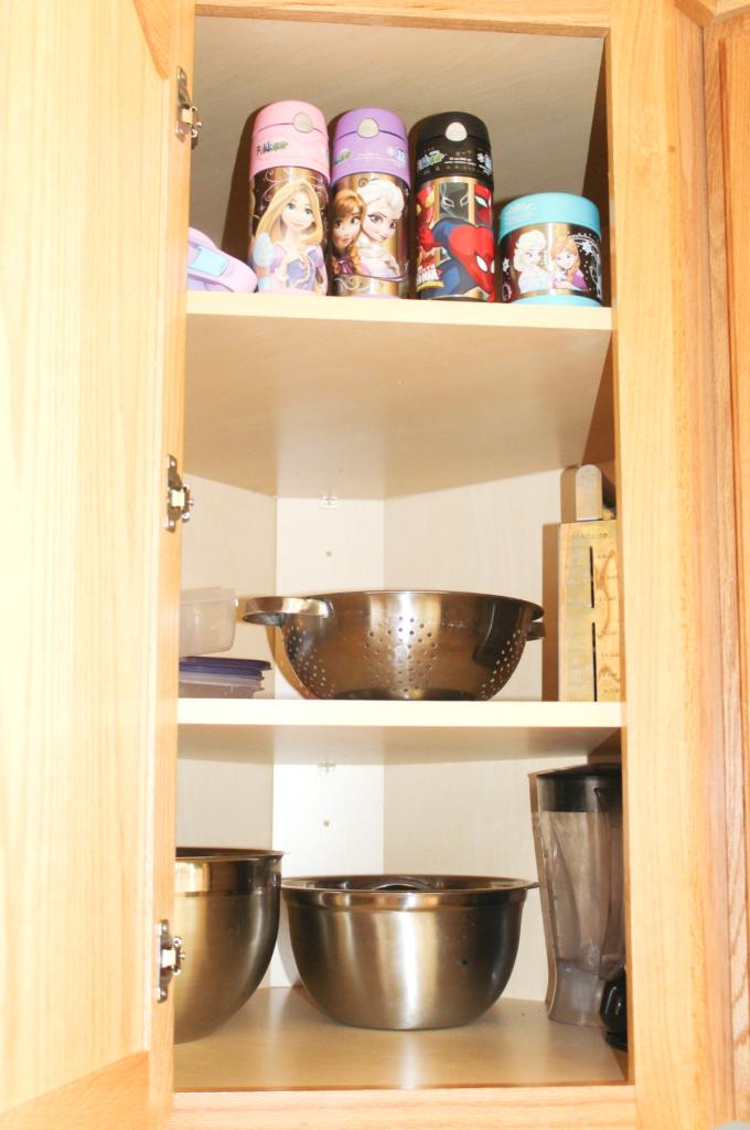 kitchen drawer organization - bowls-