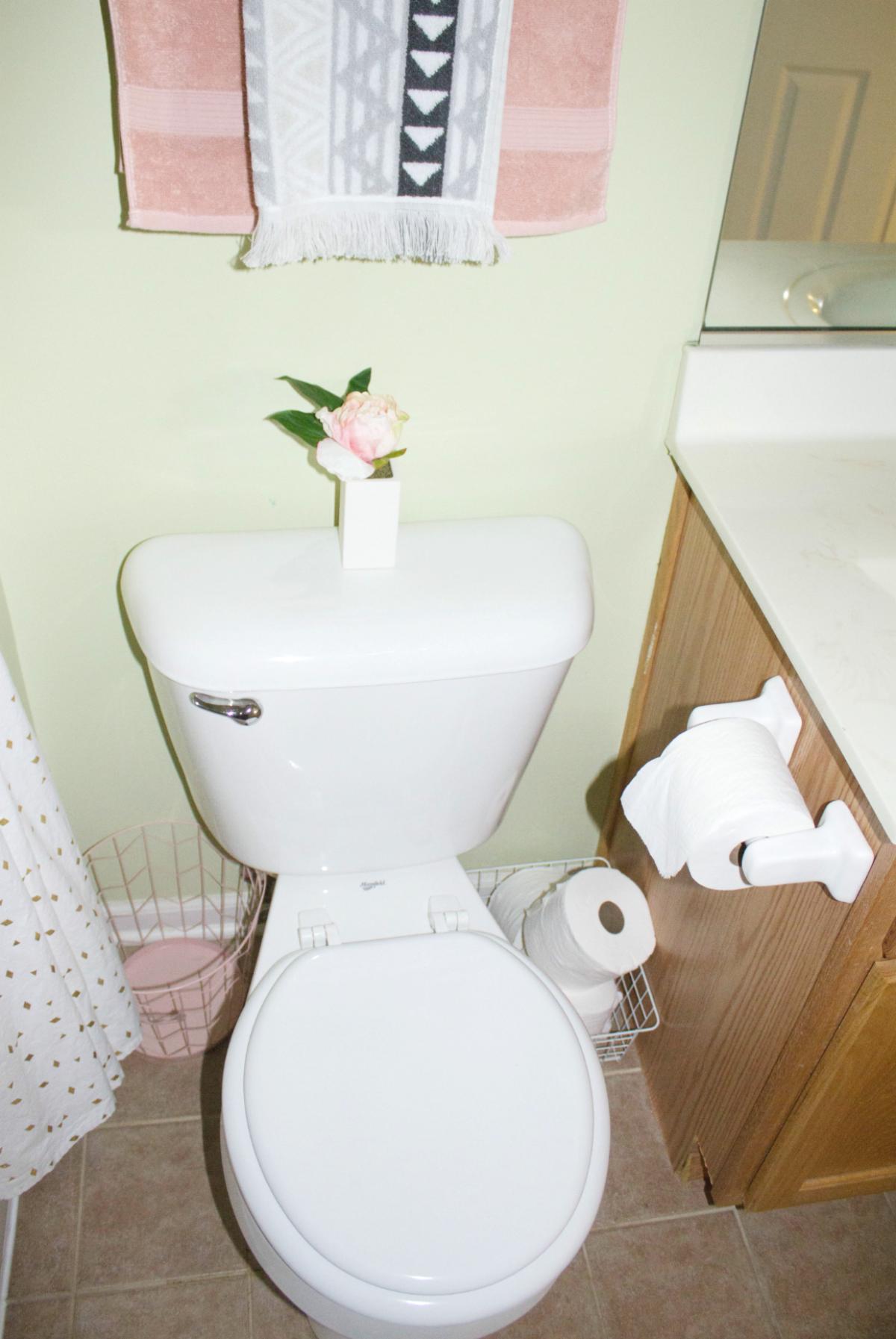 Small Bathroom Refresh With Modern Decor & Pretty Storage ...