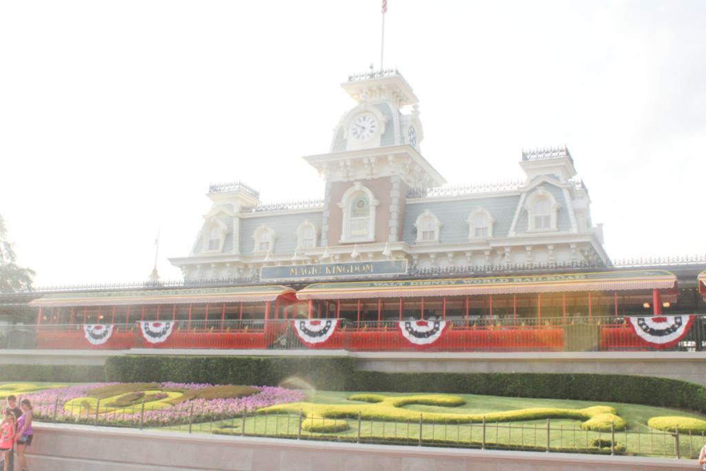 Orlando Vacation - Disney World Magic Kingdom - At Home With Zan