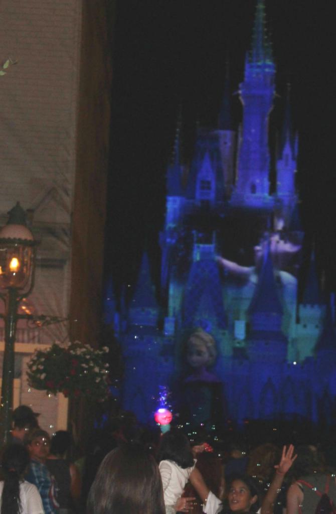 Orlando Vacation - Disney's Magic Kingdom - Frozen Show - At Home With Zan
