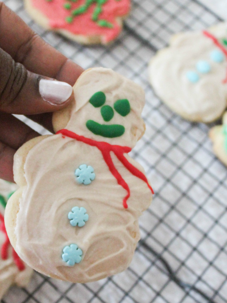 How to Create Christmas Cookies in a Jar Gift - Christmas Gifting - Holiday -Decorating - At Home With Zan