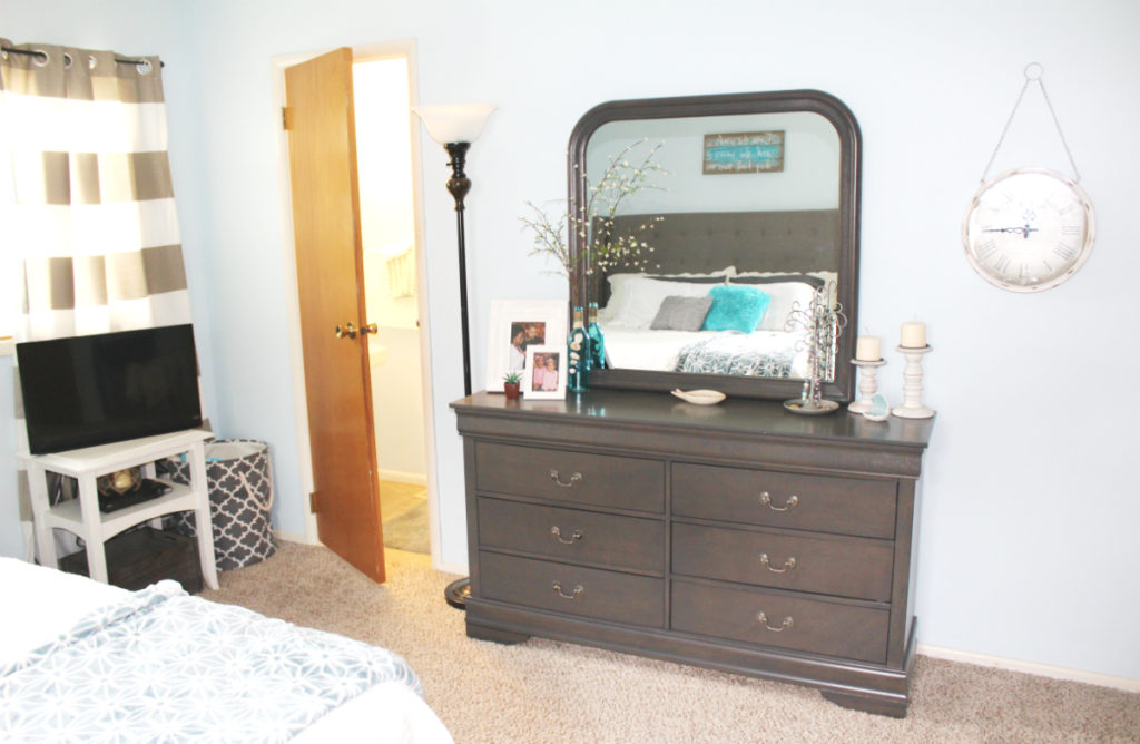master bedroom dresser side