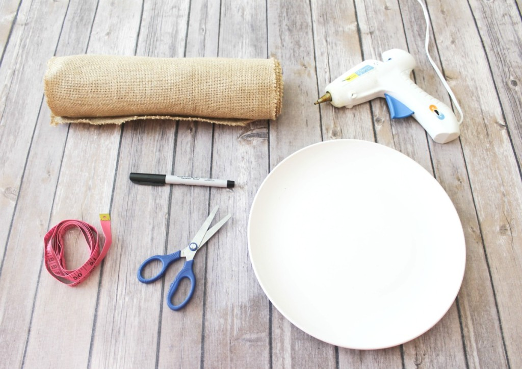 DIY Burlap Placemats - At Home With Zan -