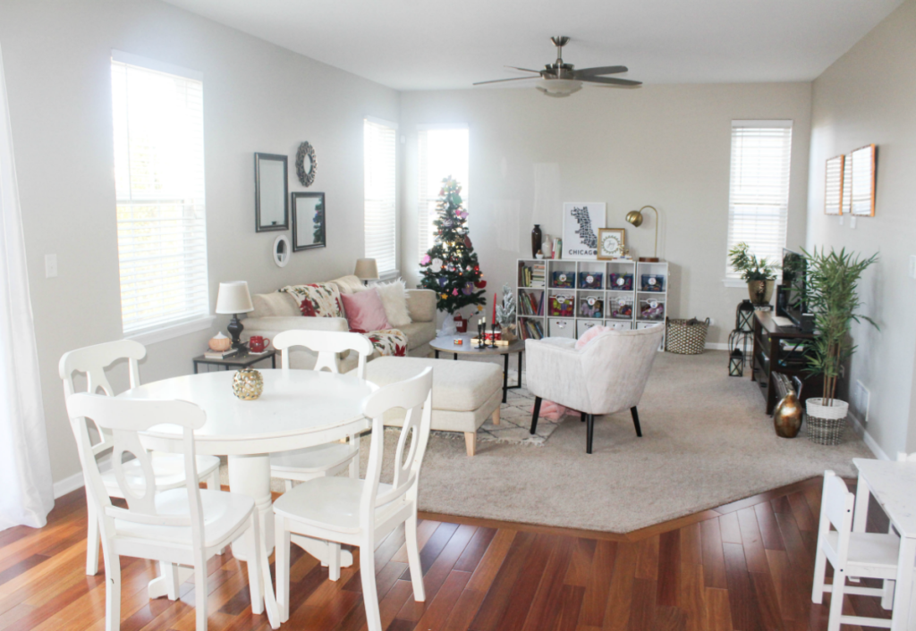 Holiday Family Room - Holiday Decorating - Home - Decorating - From At Home With Zan-